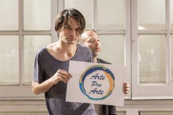 Jonny Greenwood and Thom Yorke