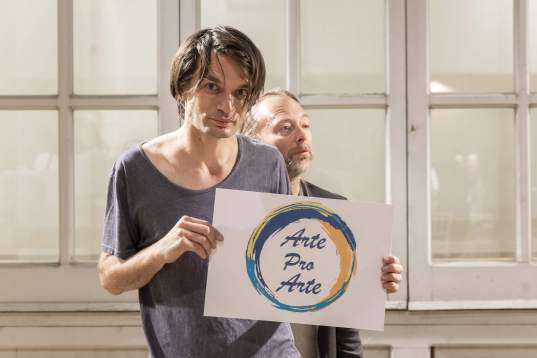 Jonny Greenwood and Thom Yorke